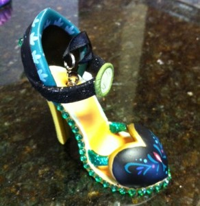 Disney Shoe Ornament - Anna