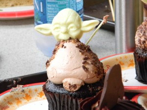 Yoda Yum! / Starring Rolls Cafe