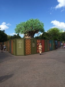 Animal-Kingdom-Construction-Walls