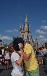 MM-Magic-Kingdom-Hat-Kiss