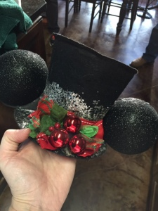 RM-Christmas-Top-Hat-Finished