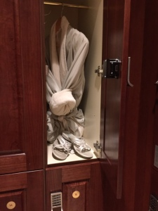 RM-Grand-Floridian-Senses-Robe-and-Slippers