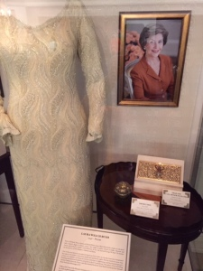 RM-Hall-of-Presidents-Dress-Laura-Bush