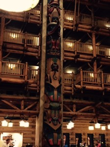 RM-Wilderness-Lodge-Lobby-Totem