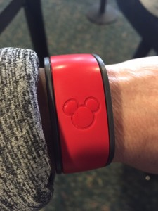 Scan-Magic-Band-to-Board-Disney's-Magical-Express