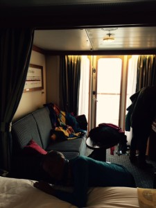 Disney-Magic-Stateroom-Sitting-Area