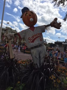 RM-Magic-Kingdom-Scarecrow
