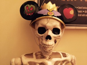 RM-Disney-Halloween-Decorations
