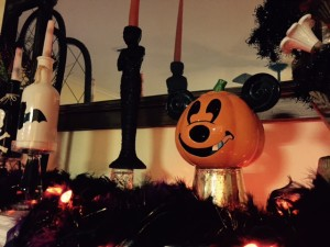 RM-Disney-Halloween-Decorations2