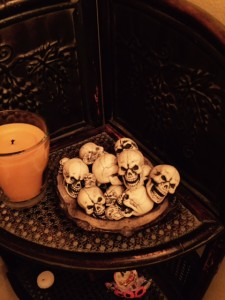 RM-Halloween-Decorations-Bowl-of-Skulls