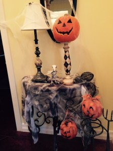 RM-Halloween-Decorations-Foyer