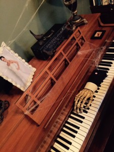 RM-Halloween-Decorations-Piano