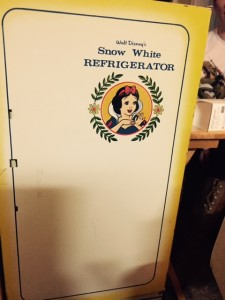 Birthday-Vintage-Snow-White-Play-Kitchen-Fridge