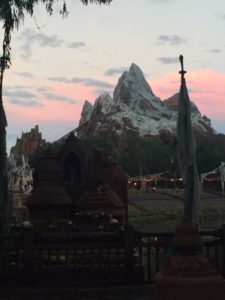 everest-at-dusk
